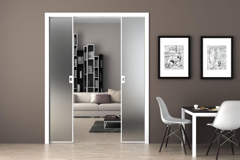 Двери стеклянные межкомнатные: для каких интерьеров подходят?