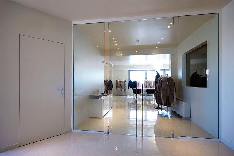 Двери из закаленного стекла: интересные особенности производства