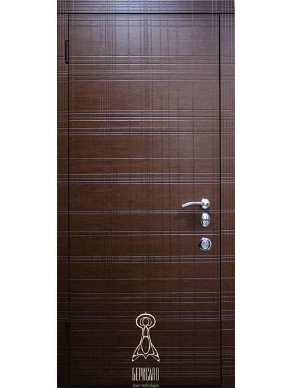 Берислав Граффити М4 - Входные двери, Входные двери в дом
