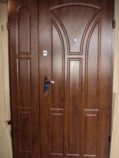 входные полуторные двери