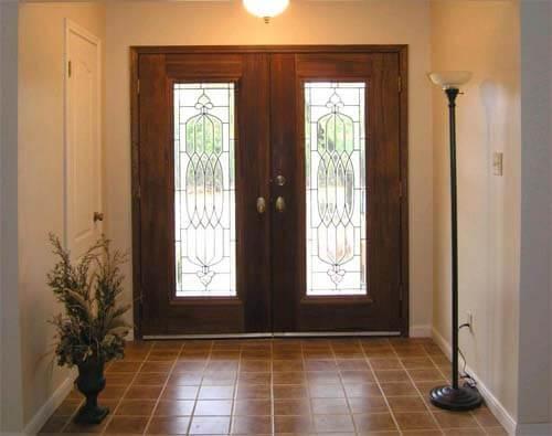 входные распашные двери