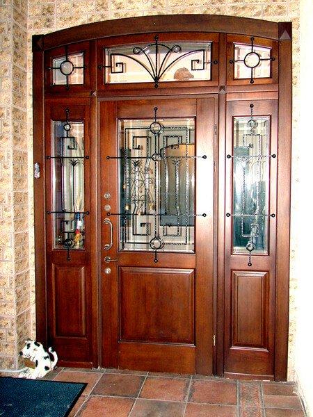 деревьянные входные двери купить