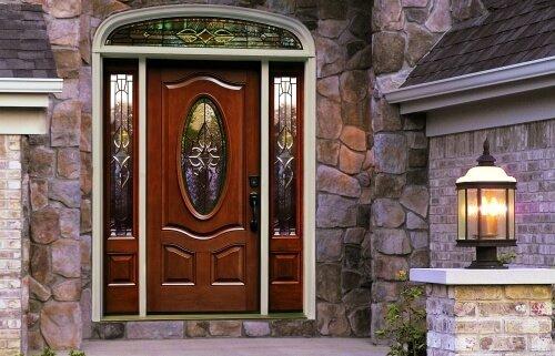 входные двери с декоративным остеклением купить